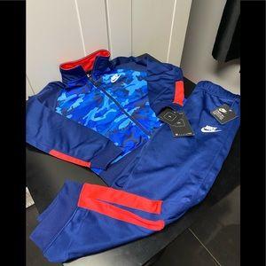 Nike boys track suit NWT